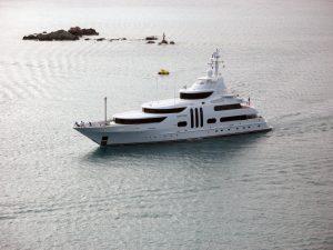 yacht-1312145-300x225