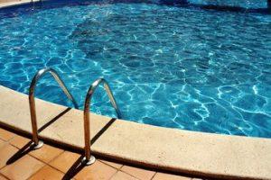 pool-1534215-300x200