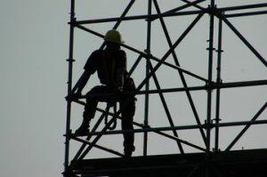 scaffolding-silhouette-1228347-300x199