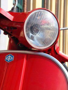 vespa-headlamp-1454647-225x300