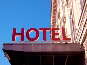 hotel-1223612-300x225